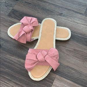 Loft outlet pink bow flip flops